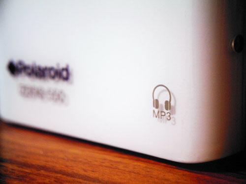 【画像】Polaroid izone 550本体正面にあるMP3(ヘッドホン)のアイコン