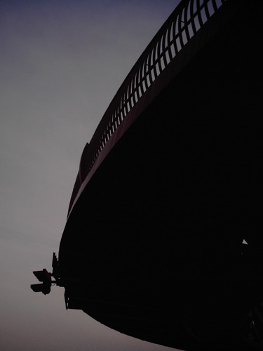 【画像】赤レンガ倉庫近くの円形歩道橋4